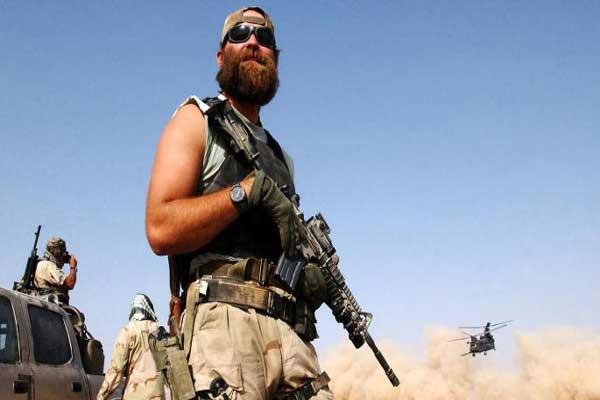 جندي أميركي عامل في أفغانستان عام 2002