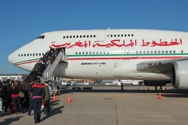 المغرب يعلن تعليق الرحلات الجوية والبحرية مع فرنسا وإسبانيا والجزائر