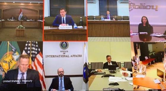 الوفدان العراقي والاميركي في الحوار الاستراتيجي بين البلدين الصيف الماضي