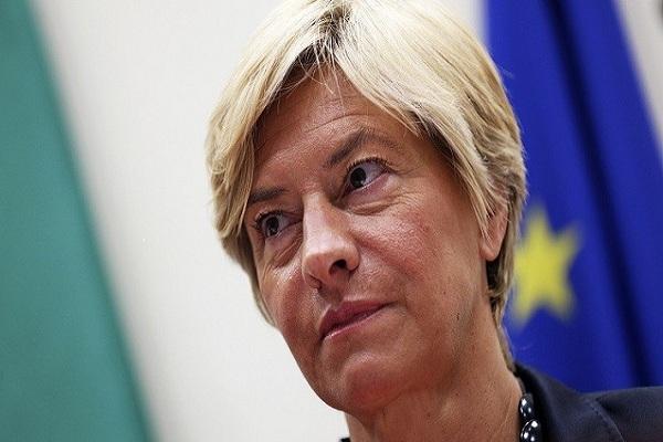 وزيرة الدفاع الايطالية روبيرتا بينوتي