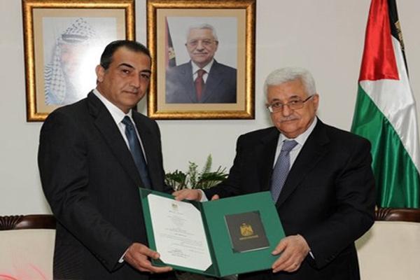 من هو الفلسطيني عدنان مجلي ومن يطرحه لقيادة السلطة الفلسطينية؟