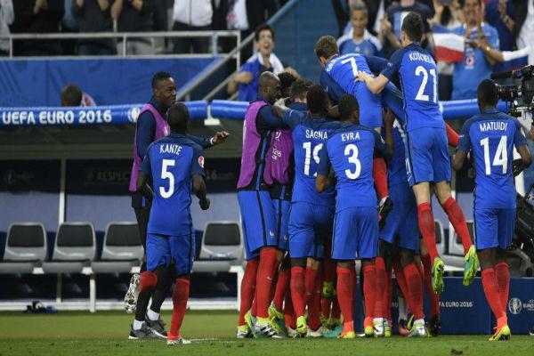 فرنسا تبحث عن التأكيد ومواجهة ثأرية بين سويسرا ورومانيا