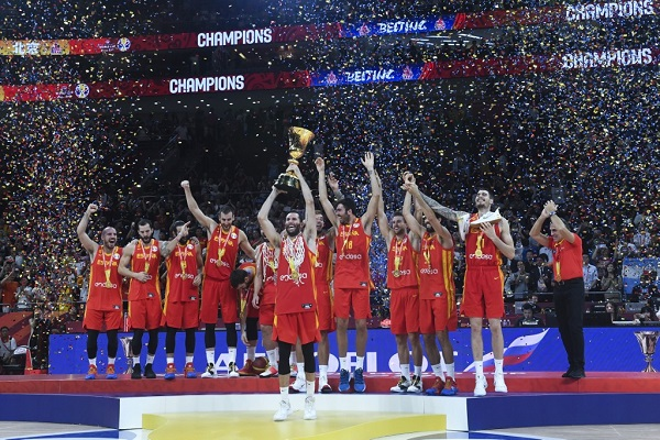 إسبانيا تهزم الأرجنتين وتتوج بلقب مونديال السلة للمرة الثانية