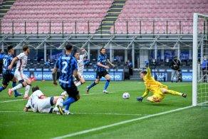بطولة إيطاليا: الفوز الحادي عشر تواليا لإنتر يقرّبه أكثر من اللقب