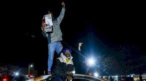 مقتل دونتي رايت: الاستقالات لم تهدئ الاضطرابات في مينيسوتا