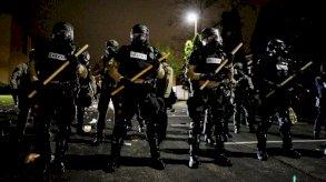 احتجاجات غاضبة في مدينة أمريكية بعد مقتل رجل أسود على يد الشرطة