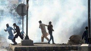 الحكومة الباكستانية تحجب مؤقتا وسائل التواصل الاجتماعي