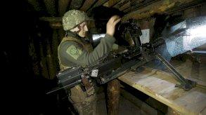القوات الأوكرانية على خط المواجهة مستعدة لصد أي عدوان روسي