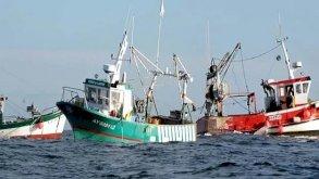 باريس تطالب بتطبيق سريع لاتفاق صيد السمك لما بعد بريكست