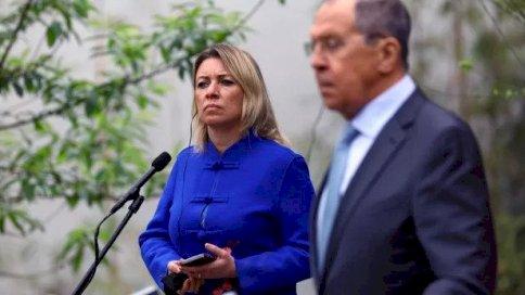 ووزير الخارجية الروسي سيرغي لافروف والمتحدثة باسم وزارة الخارجية الروسية ماريا زاخاروفا